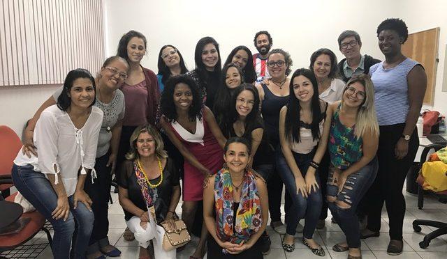 GRAFE Convida recebe professora e contadora de histórias Alice Santana Castro