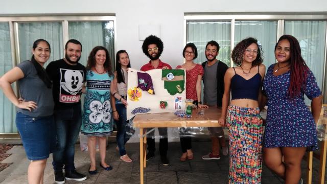 Alunos da disciplina de Múltiplas Linguagens na Alfabetização de Jovens e Adultos visitam Fundação Eva Klabin